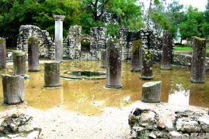 butrint-columns